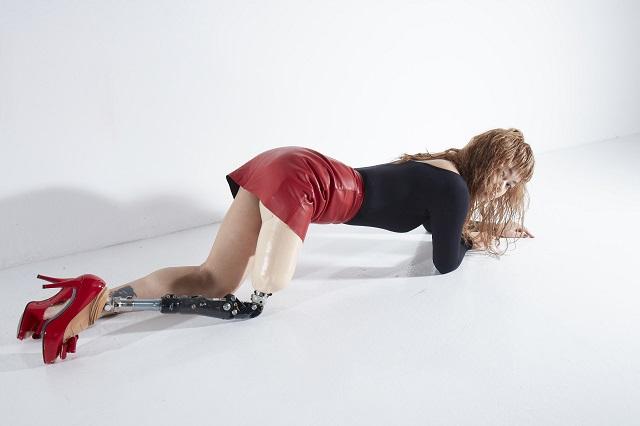 世界に改革とアングラを?義足モデルGIMICO「欠損女子」の魅力