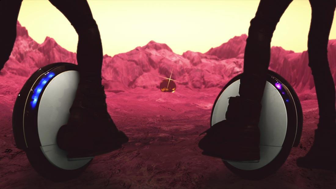 宇宙人バンドMUMと「新型一輪セグウェイ」がもたらす未来の福祉用具