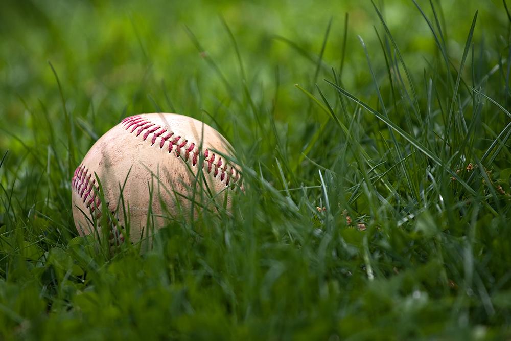 ろう・難聴を生きる。聴覚障害者の野球大会「グランドソフトボール」