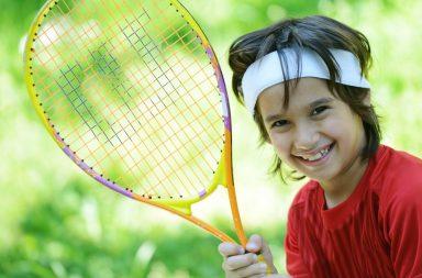 kid-playing-tennis_htoh1cei