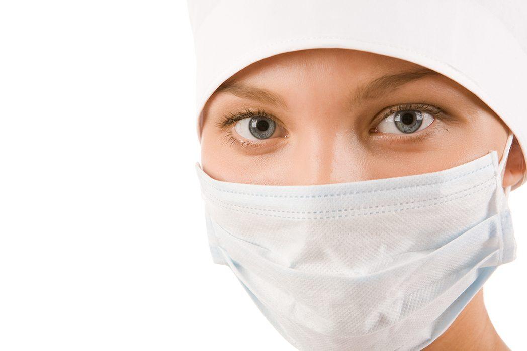 インフルエンザや花粉症の時期、医療事務スタッフもマスク着用を…。