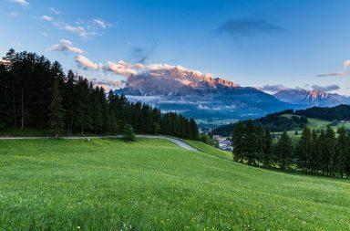 alpes-mountain-dolomites-italy_sder0longx