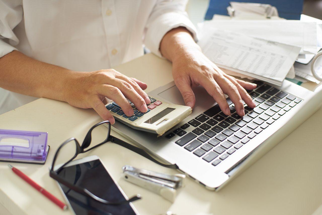 確定申告に悩む自営業者におすすめ!クラウド会計ソフトのメリットとデメリット