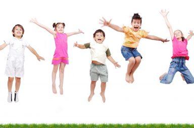 happy-kids-jumping_hfbwcp6bi