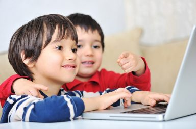 kids-using-laptop_hkygsjn6hi