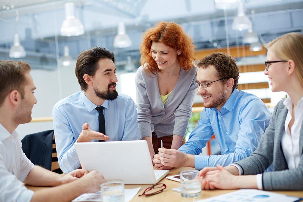 新入社員は褒めて伸ばせ、上司に求められる指摘する力