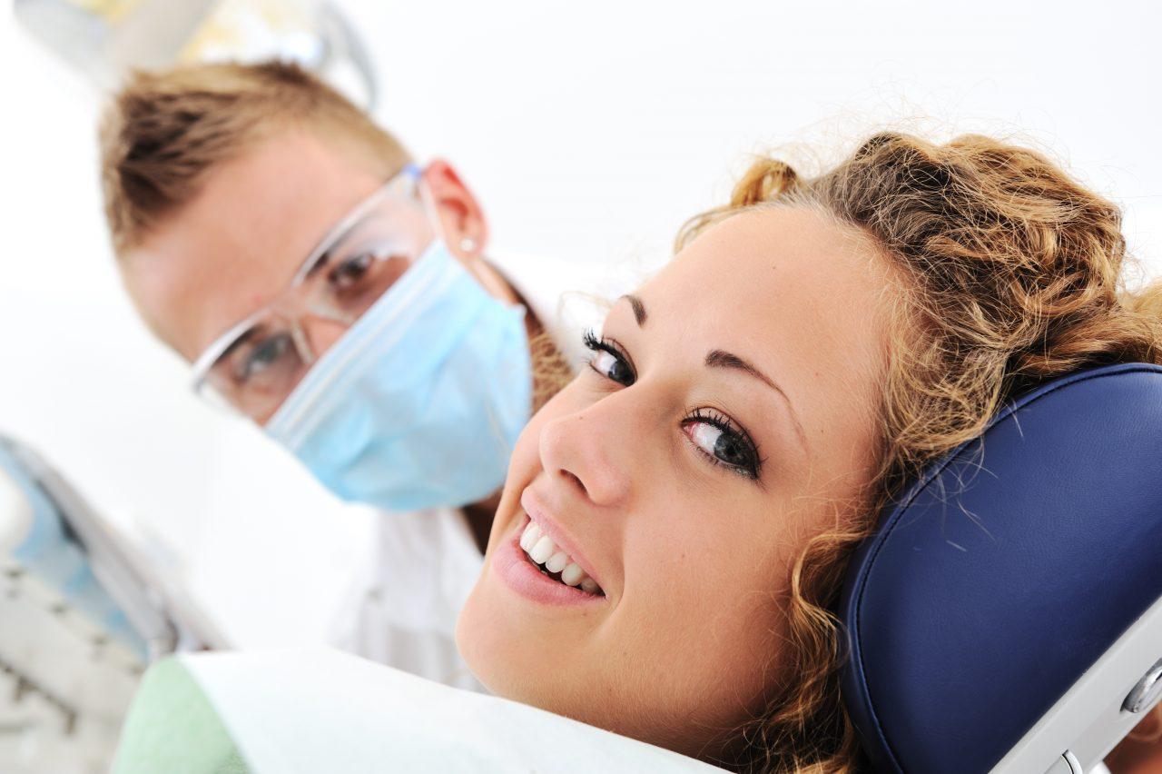 胃カメラ検査は鼻からと口からと、どっちが楽に受けられる??