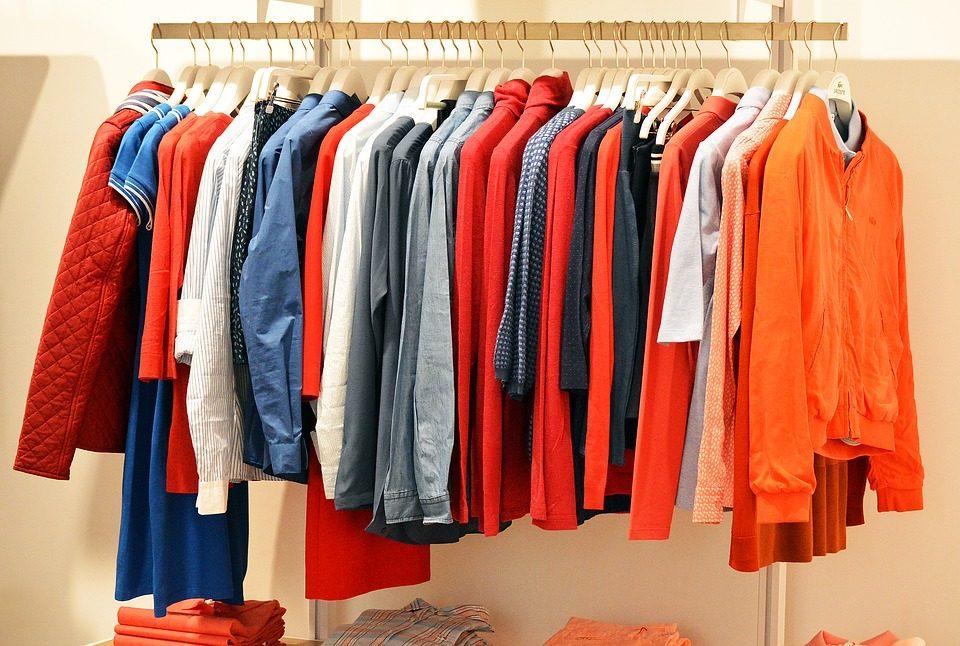 月にかける洋服代は1000円以内!?若者は古着を着こなす