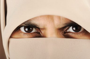 close-up-of-a-woman-with-hijab_hkgf-9tss