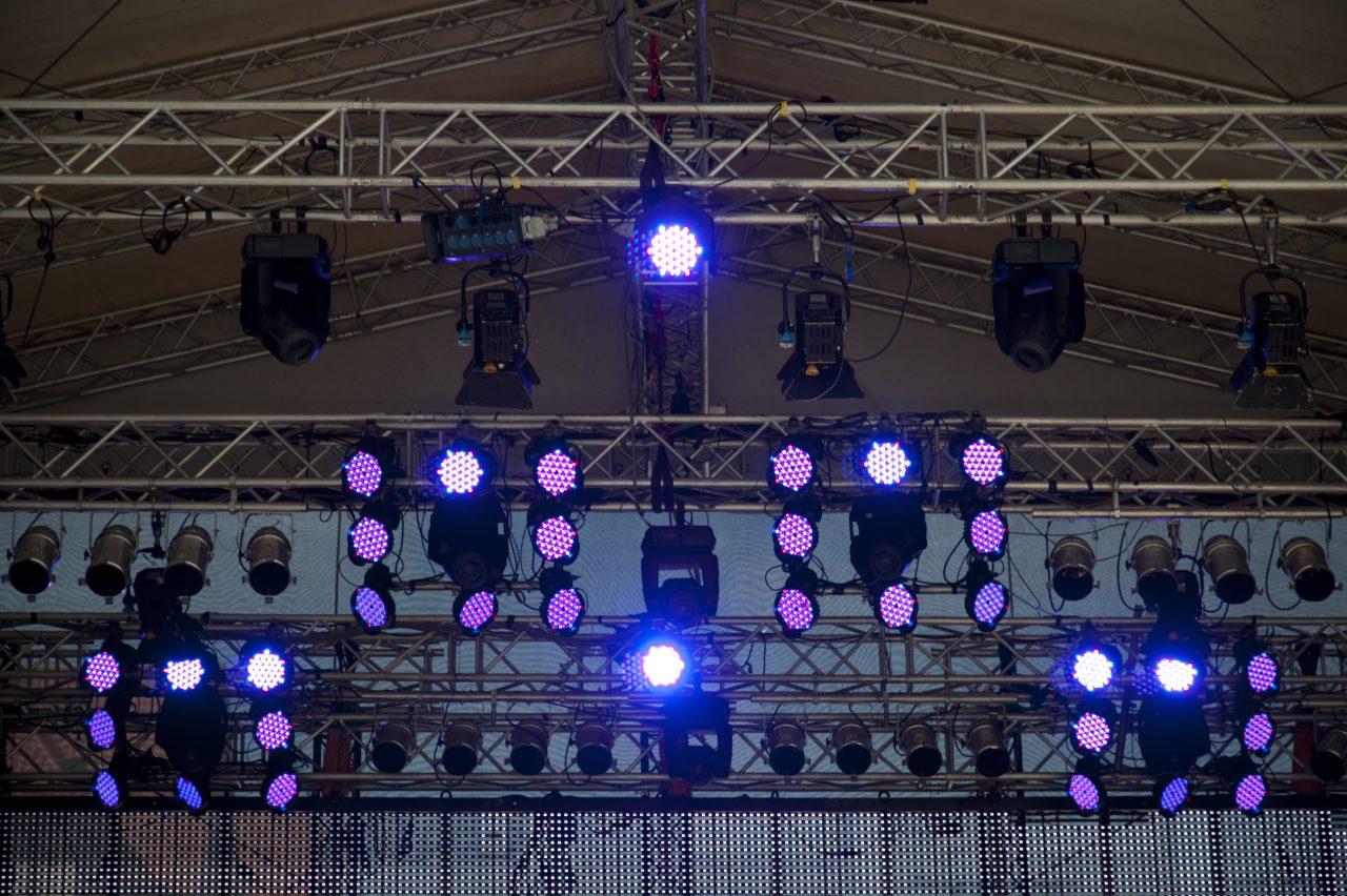 コンサート会場やイベント会場の手荷物検査をもっと徹底すべきか??