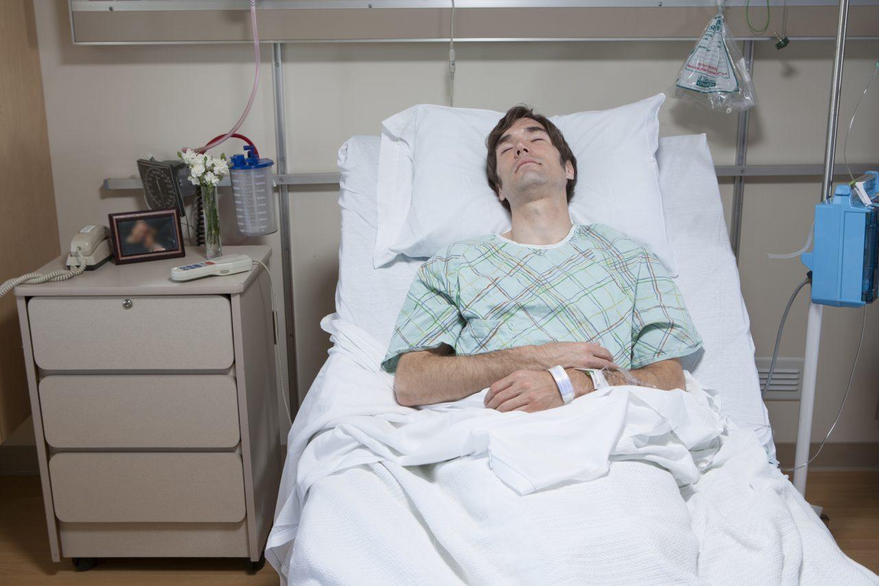 終末期医療の新たな課題、自ら希望する自然死「延命中止」