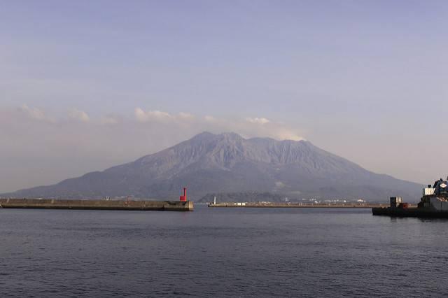 鹿児島湾 最大震度5強の地震。鹿児島市内から見える桜島は…?