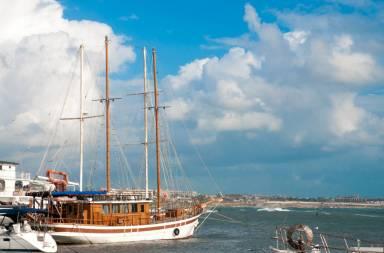 cruise-sailboat_gkgslicd