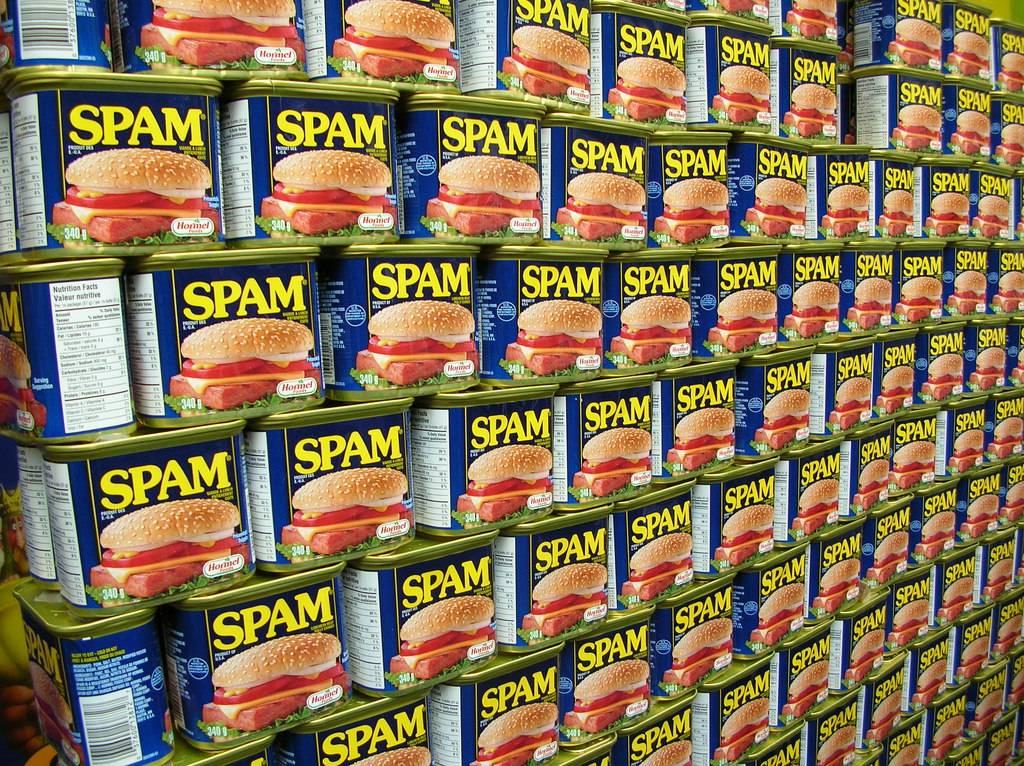 意外と知らない?スパムメールの語源は、ある有名なコントからだった!