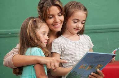 kindergarten-class-reading-a-book_ssfmbhc8e