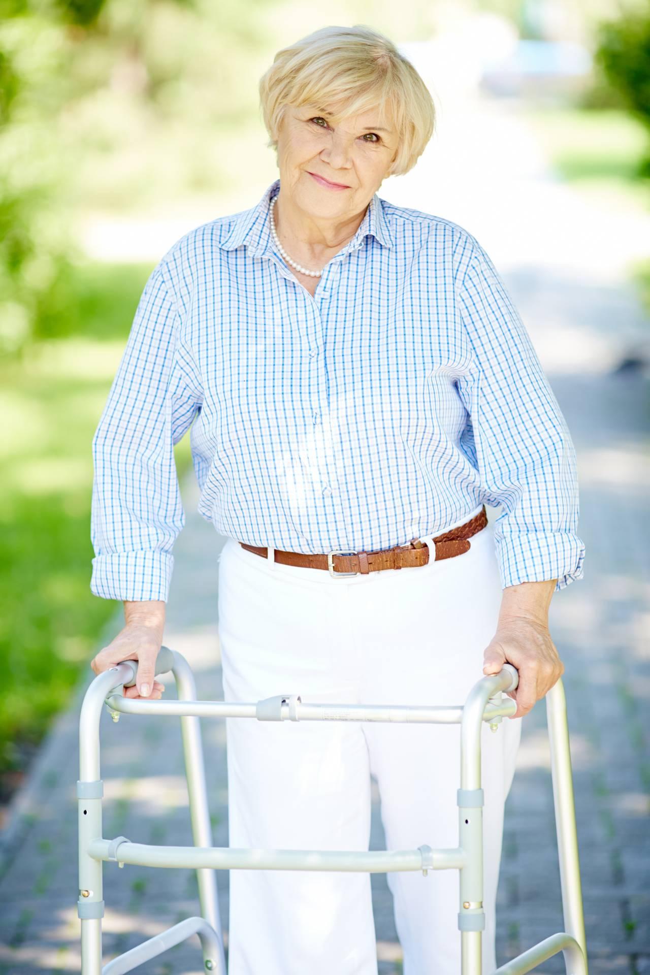 脊髄損傷者による歩行披露イベント「KNOW NO LIMIT 2017」