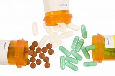 pill-bottles-and-pills_sfs6ttpes
