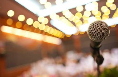 close-up-of-microphone-in-concert-hall-or-conference-room_bdlze9k_2fg-resize