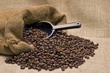 bag-of-coffee-beans-with-scoop_rtdscpnj