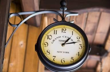 clock_zyctklou