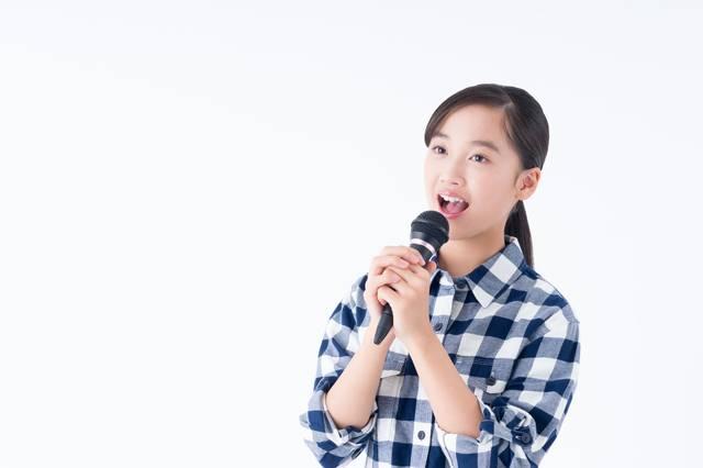 地道な訓練に基づく「カラオケで洋楽を歌う方法」