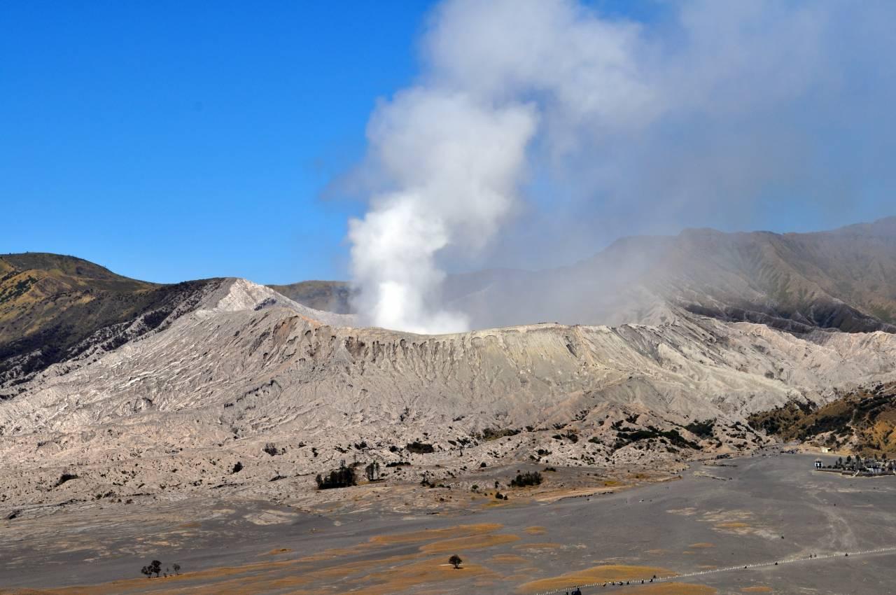 【Live】新燃岳で溶岩流出!現在の様子ライブカメラリンク集